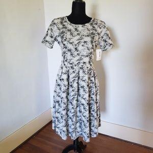 NWT Large LuLaRoe Amelia knit dress